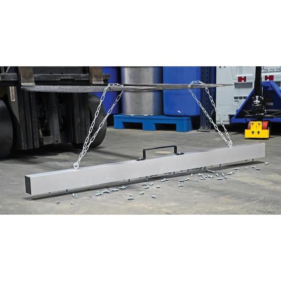 Vestil MS-72 Magnetic Hanging Release Lever Sweeper-1